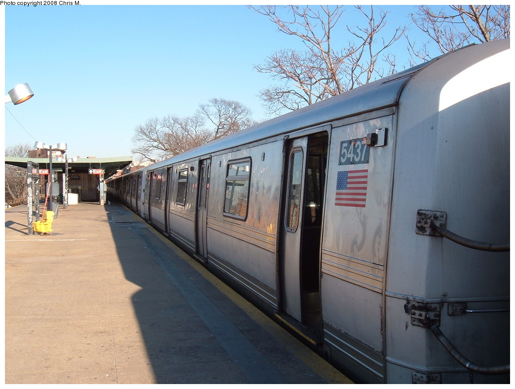 (219k, 1044x788)<br><b>Country:</b> United States<br><b>City:</b> New York<br><b>System:</b> New York City Transit<br><b>Line:</b> IND Rockaway<br><b>Location:</b> Mott Avenue/Far Rockaway <br><b>Route:</b> A<br><b>Car:</b> R-44 (St. Louis, 1971-73) 5437 <br><b>Photo by:</b> Chris M.<br><b>Date:</b> 1/23/2008<br><b>Viewed (this week/total):</b> 3 / 1349