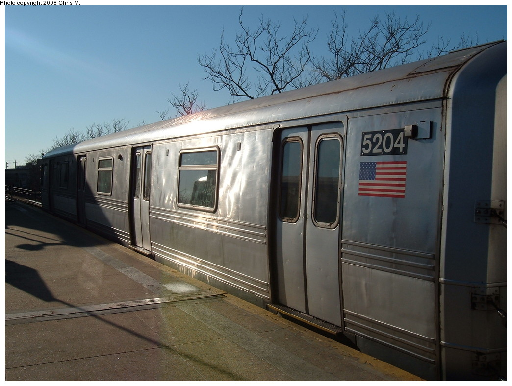 (212k, 1044x788)<br><b>Country:</b> United States<br><b>City:</b> New York<br><b>System:</b> New York City Transit<br><b>Line:</b> IND Rockaway<br><b>Location:</b> Mott Avenue/Far Rockaway <br><b>Route:</b> A<br><b>Car:</b> R-44 (St. Louis, 1971-73) 5204 <br><b>Photo by:</b> Chris M.<br><b>Date:</b> 1/23/2008<br><b>Viewed (this week/total):</b> 1 / 1804