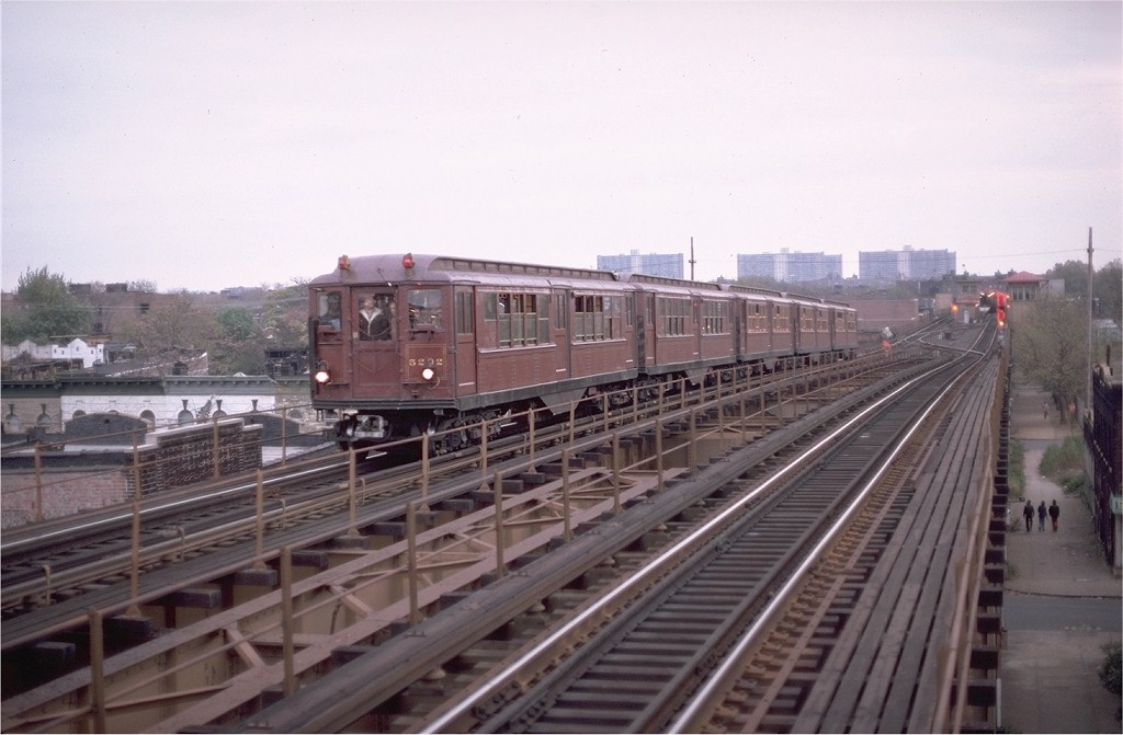 (155k, 1024x671)<br><b>Country:</b> United States<br><b>City:</b> New York<br><b>System:</b> New York City Transit<br><b>Line:</b> IRT Brooklyn Line<br><b>Location:</b> Van Siclen Avenue <br><b>Route:</b> Fan Trip<br><b>Car:</b> Low-V (Museum Train) 5292 <br><b>Photo by:</b> Aron Eisenpress<br><b>Collection of:</b> Joe Testagrose<br><b>Date:</b> 11/3/1979<br><b>Viewed (this week/total):</b> 9 / 4007