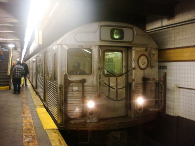 (101k, 640x480)<br><b>Country:</b> United States<br><b>City:</b> New York<br><b>System:</b> New York City Transit<br><b>Line:</b> IND Fulton Street Line<br><b>Location:</b> Nostrand Avenue <br><b>Route:</b> C<br><b>Car:</b> R-38 (St. Louis, 1966-1967)   <br><b>Photo by:</b> Danny Molina<br><b>Date:</b> 2/2/2008<br><b>Viewed (this week/total):</b> 2 / 1637