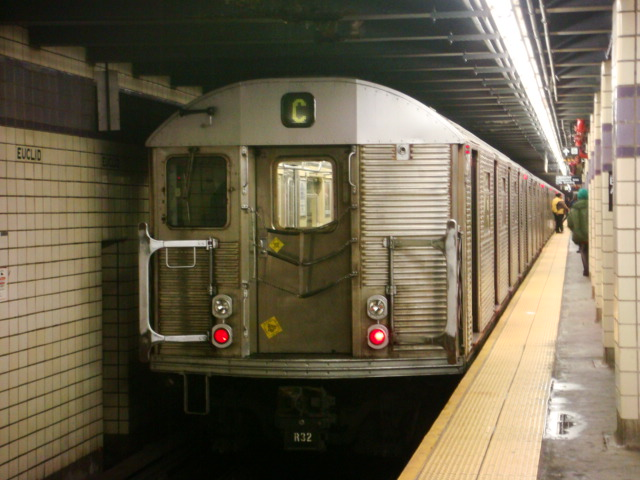 (102k, 640x480)<br><b>Country:</b> United States<br><b>City:</b> New York<br><b>System:</b> New York City Transit<br><b>Line:</b> IND Fulton Street Line<br><b>Location:</b> Euclid Avenue <br><b>Route:</b> C<br><b>Car:</b> R-32 (Budd, 1964)   <br><b>Photo by:</b> Danny Molina<br><b>Date:</b> 2/2/2008<br><b>Viewed (this week/total):</b> 0 / 1364
