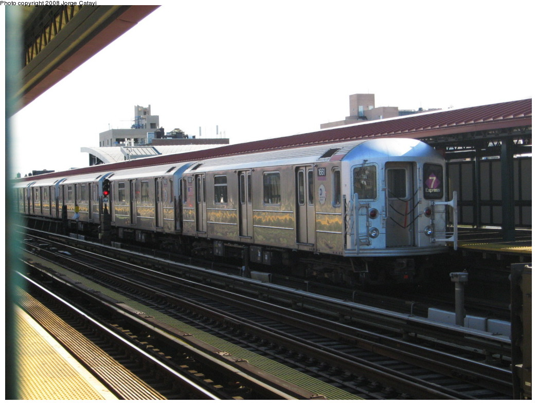 (188k, 1044x788)<br><b>Country:</b> United States<br><b>City:</b> New York<br><b>System:</b> New York City Transit<br><b>Line:</b> IRT Flushing Line<br><b>Location:</b> 74th Street/Broadway <br><b>Route:</b> 7<br><b>Car:</b> R-62A (Bombardier, 1984-1987)  1661 <br><b>Photo by:</b> Jorge Catayi<br><b>Date:</b> 11/23/2007<br><b>Viewed (this week/total):</b> 3 / 863