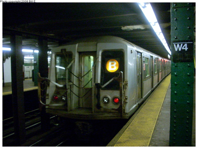 (169k, 819x619)<br><b>Country:</b> United States<br><b>City:</b> New York<br><b>System:</b> New York City Transit<br><b>Line:</b> IND 6th Avenue Line<br><b>Location:</b> West 4th Street/Washington Square <br><b>Route:</b> B<br><b>Car:</b> R-40 (St. Louis, 1968)  4174 <br><b>Photo by:</b> Bill E.<br><b>Date:</b> 2/19/2008<br><b>Viewed (this week/total):</b> 2 / 1594