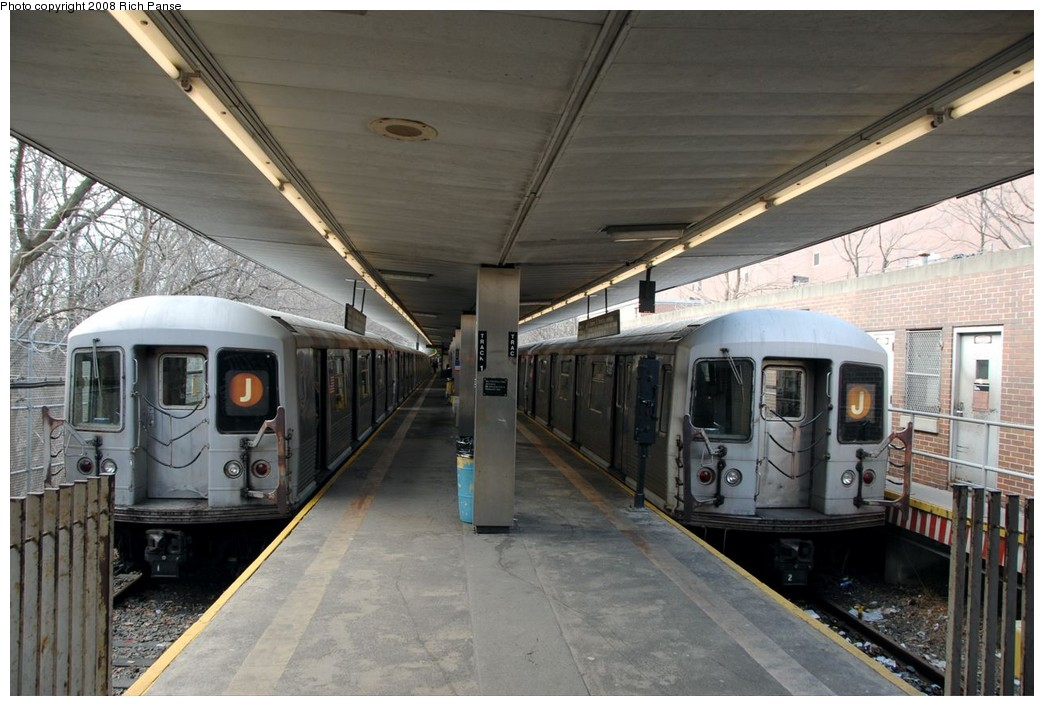 (191k, 1044x706)<br><b>Country:</b> United States<br><b>City:</b> New York<br><b>System:</b> New York City Transit<br><b>Line:</b> BMT Myrtle Avenue Line<br><b>Location:</b> Metropolitan Avenue <br><b>Route:</b> J reroute.<br><b>Car:</b> R-42 (St. Louis, 1969-1970)  4689/4xxx <br><b>Photo by:</b> Richard Panse<br><b>Date:</b> 2/17/2008<br><b>Viewed (this week/total):</b> 1 / 2771