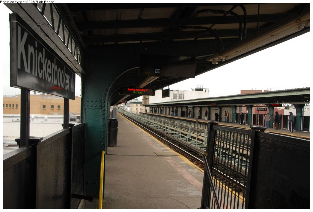 (189k, 1044x706)<br><b>Country:</b> United States<br><b>City:</b> New York<br><b>System:</b> New York City Transit<br><b>Line:</b> BMT Myrtle Avenue Line<br><b>Location:</b> Knickerbocker Avenue <br><b>Photo by:</b> Richard Panse<br><b>Date:</b> 2/17/2008<br><b>Viewed (this week/total):</b> 2 / 954