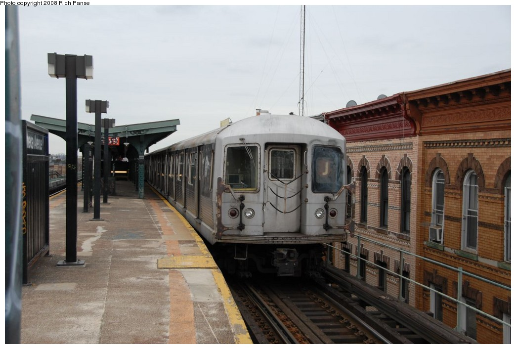 (189k, 1044x706)<br><b>Country:</b> United States<br><b>City:</b> New York<br><b>System:</b> New York City Transit<br><b>Line:</b> BMT Myrtle Avenue Line<br><b>Location:</b> Seneca Avenue <br><b>Route:</b> J reroute.<br><b>Car:</b> R-42 (St. Louis, 1969-1970)  4622 <br><b>Photo by:</b> Richard Panse<br><b>Date:</b> 2/17/2008<br><b>Viewed (this week/total):</b> 0 / 1422