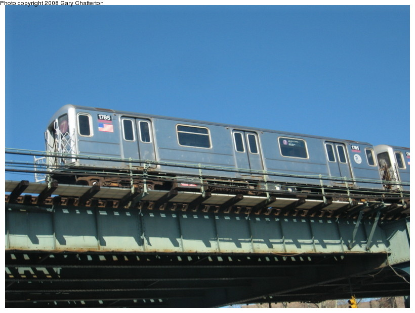 (109k, 820x620)<br><b>Country:</b> United States<br><b>City:</b> New York<br><b>System:</b> New York City Transit<br><b>Line:</b> IRT Flushing Line<br><b>Location:</b> 52nd Street/Lincoln Avenue <br><b>Route:</b> 7<br><b>Car:</b> R-62A (Bombardier, 1984-1987)  1785 <br><b>Photo by:</b> Gary Chatterton<br><b>Date:</b> 2/11/2008<br><b>Viewed (this week/total):</b> 3 / 1045
