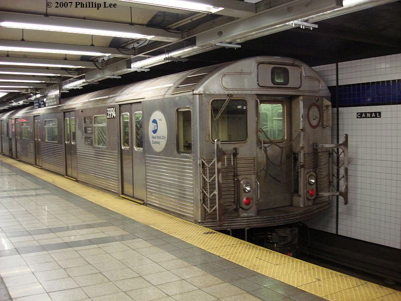 (102k, 800x600)<br><b>Country:</b> United States<br><b>City:</b> New York<br><b>System:</b> New York City Transit<br><b>Line:</b> IND 8th Avenue Line<br><b>Location:</b> Canal Street-Holland Tunnel <br><b>Route:</b> C<br><b>Car:</b> R-38 (St. Louis, 1966-1967)  3994 <br><b>Photo by:</b> Phillip Lee<br><b>Date:</b> 10/18/2007<br><b>Viewed (this week/total):</b> 0 / 1206