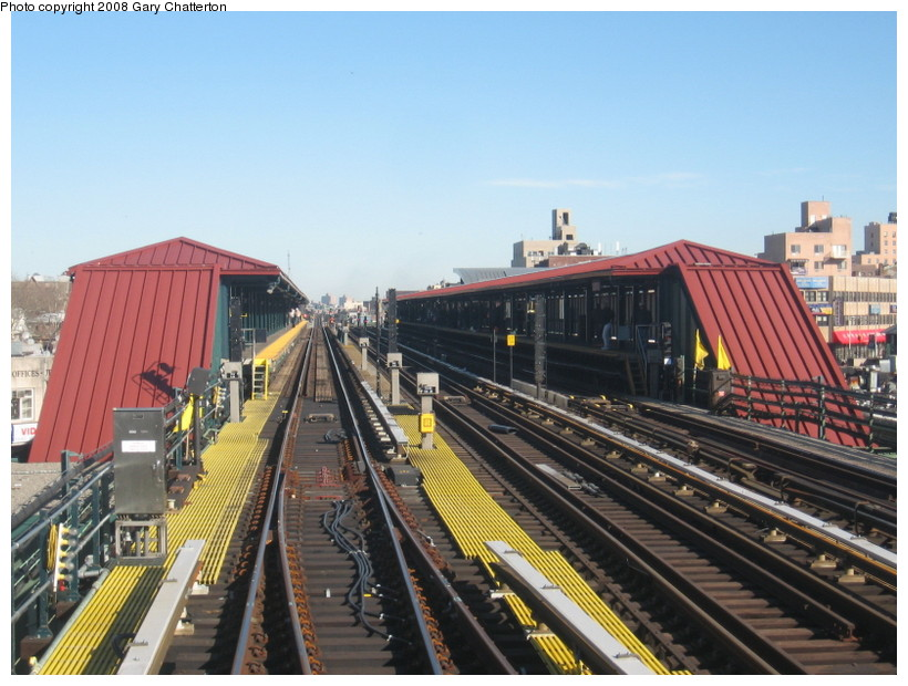 (148k, 820x620)<br><b>Country:</b> United States<br><b>City:</b> New York<br><b>System:</b> New York City Transit<br><b>Line:</b> IRT Flushing Line<br><b>Location:</b> 74th Street/Broadway <br><b>Photo by:</b> Gary Chatterton<br><b>Date:</b> 2/14/2008<br><b>Notes:</b> New Switch Track West of 74 St Station, S/B Local-Express<br><b>Viewed (this week/total):</b> 0 / 845