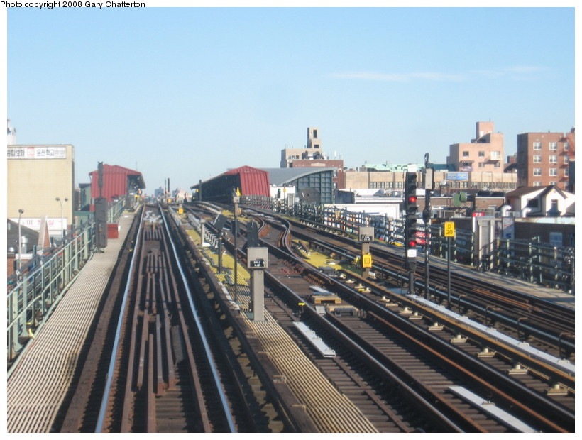 (141k, 820x620)<br><b>Country:</b> United States<br><b>City:</b> New York<br><b>System:</b> New York City Transit<br><b>Line:</b> IRT Flushing Line<br><b>Location:</b> 74th Street/Broadway <br><b>Photo by:</b> Gary Chatterton<br><b>Date:</b> 2/14/2008<br><b>Notes:</b> New Switch Track West of 74 St Station, Express-N/B Local<br><b>Viewed (this week/total):</b> 1 / 943