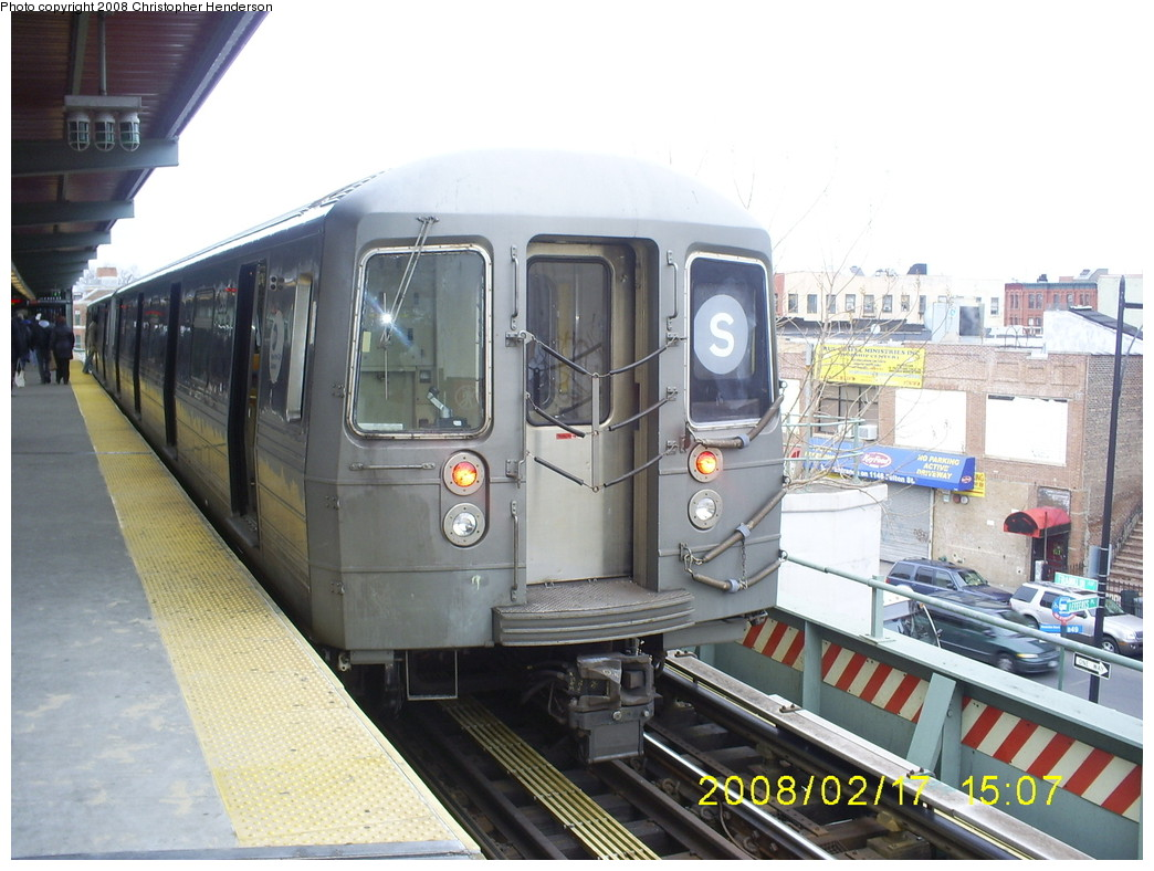 (251k, 1044x788)<br><b>Country:</b> United States<br><b>City:</b> New York<br><b>System:</b> New York City Transit<br><b>Line:</b> BMT Franklin<br><b>Location:</b> Franklin Avenue <br><b>Route:</b> Franklin Shuttle<br><b>Car:</b> R-68 (Westinghouse-Amrail, 1986-1988)   <br><b>Photo by:</b> Christopher Henderson<br><b>Date:</b> 2/17/2008<br><b>Viewed (this week/total):</b> 0 / 1687