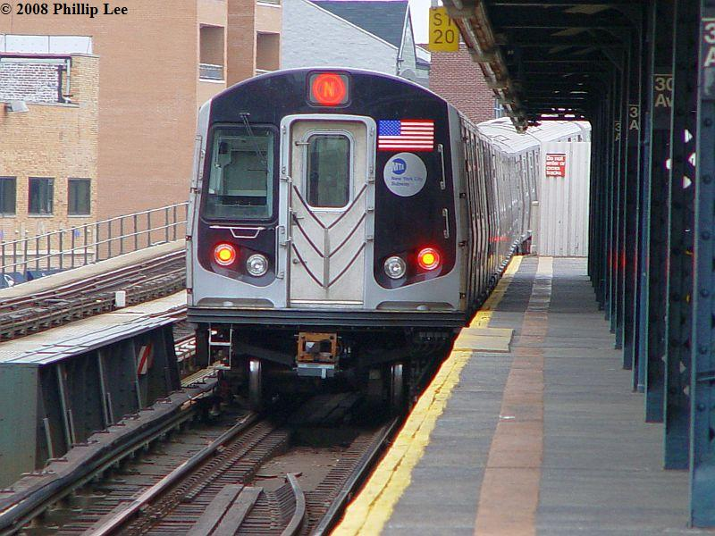 (101k, 800x600)<br><b>Country:</b> United States<br><b>City:</b> New York<br><b>System:</b> New York City Transit<br><b>Line:</b> BMT Astoria Line<br><b>Location:</b> 30th/Grand Aves. <br><b>Route:</b> N<br><b>Car:</b> R-160A/R-160B Series (Number Unknown)  <br><b>Photo by:</b> Phillip Lee<br><b>Date:</b> 1/17/2008<br><b>Viewed (this week/total):</b> 1 / 1261