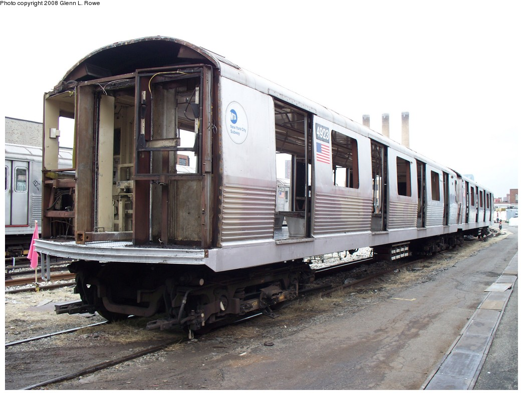 (210k, 1044x788)<br><b>Country:</b> United States<br><b>City:</b> New York<br><b>System:</b> New York City Transit<br><b>Location:</b> 207th Street Yard<br><b>Car:</b> R-42 (St. Louis, 1969-1970)  4923 <br><b>Photo by:</b> Glenn L. Rowe<br><b>Date:</b> 3/4/2008<br><b>Viewed (this week/total):</b> 0 / 1185