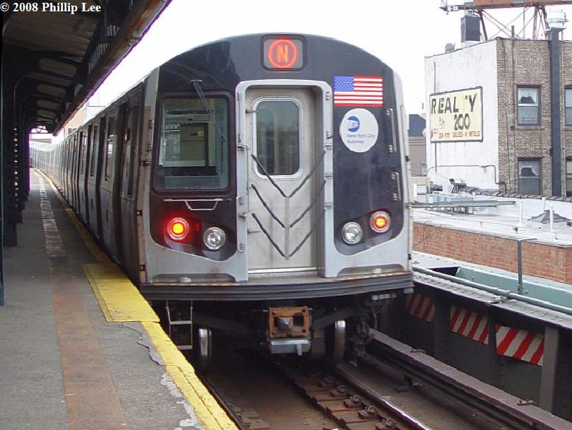 (86k, 810x609)<br><b>Country:</b> United States<br><b>City:</b> New York<br><b>System:</b> New York City Transit<br><b>Line:</b> BMT Astoria Line<br><b>Location:</b> Astoria Boulevard/Hoyt Avenue <br><b>Route:</b> N<br><b>Car:</b> R-160A/R-160B Series (Number Unknown)  <br><b>Photo by:</b> Phillip Lee<br><b>Date:</b> 1/17/2008<br><b>Viewed (this week/total):</b> 1 / 2028