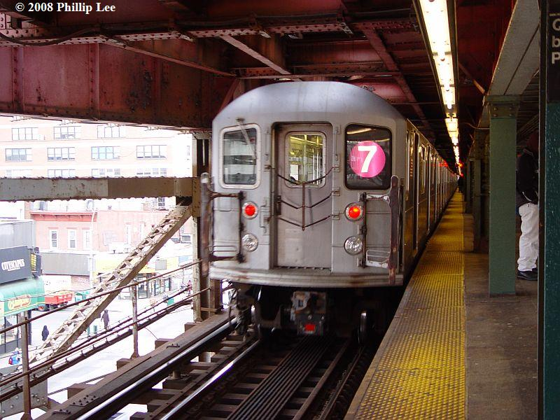 (106k, 800x600)<br><b>Country:</b> United States<br><b>City:</b> New York<br><b>System:</b> New York City Transit<br><b>Line:</b> IRT Flushing Line<br><b>Location:</b> Queensborough Plaza <br><b>Route:</b> 7<br><b>Car:</b> R-62A (Bombardier, 1984-1987)   <br><b>Photo by:</b> Phillip Lee<br><b>Date:</b> 1/17/2008<br><b>Viewed (this week/total):</b> 1 / 1023