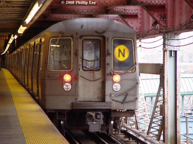 (96k, 800x600)<br><b>Country:</b> United States<br><b>City:</b> New York<br><b>System:</b> New York City Transit<br><b>Line:</b> BMT Astoria Line<br><b>Location:</b> Queensborough Plaza <br><b>Route:</b> N<br><b>Car:</b> R-68/R-68A Series (Number Unknown)  <br><b>Photo by:</b> Phillip Lee<br><b>Date:</b> 1/17/2008<br><b>Viewed (this week/total):</b> 5 / 1172