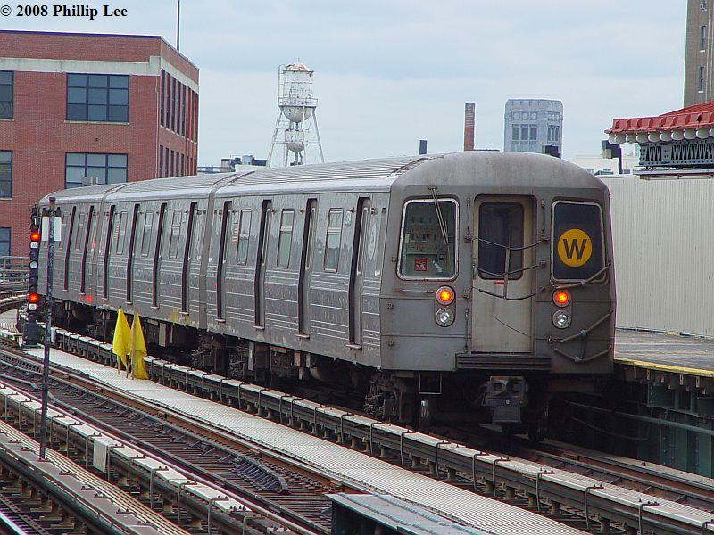 (115k, 800x600)<br><b>Country:</b> United States<br><b>City:</b> New York<br><b>System:</b> New York City Transit<br><b>Line:</b> BMT Astoria Line<br><b>Location:</b> 39th/Beebe Aves. <br><b>Route:</b> W<br><b>Car:</b> R-68/R-68A Series (Number Unknown)  <br><b>Photo by:</b> Phillip Lee<br><b>Date:</b> 1/17/2008<br><b>Viewed (this week/total):</b> 1 / 925