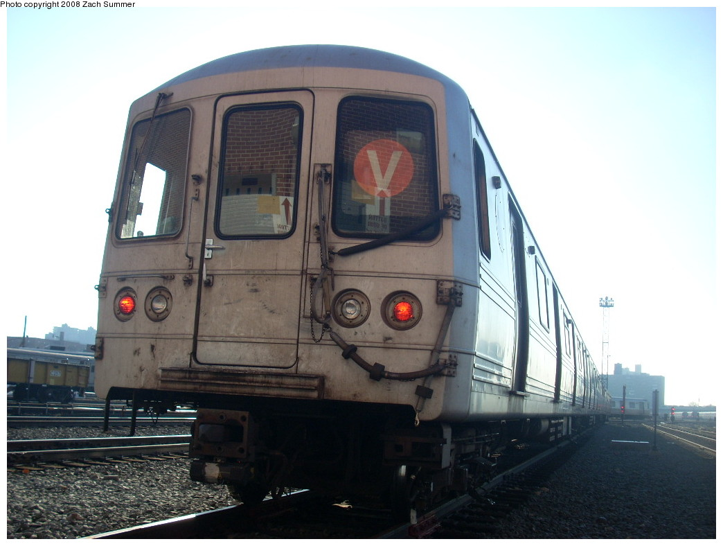 (208k, 1044x788)<br><b>Country:</b> United States<br><b>City:</b> New York<br><b>System:</b> New York City Transit<br><b>Location:</b> Coney Island Yard<br><b>Car:</b> R-46 (Pullman-Standard, 1974-75)  <br><b>Photo by:</b> Zach Summer<br><b>Date:</b> 12/20/2007<br><b>Viewed (this week/total):</b> 2 / 1313