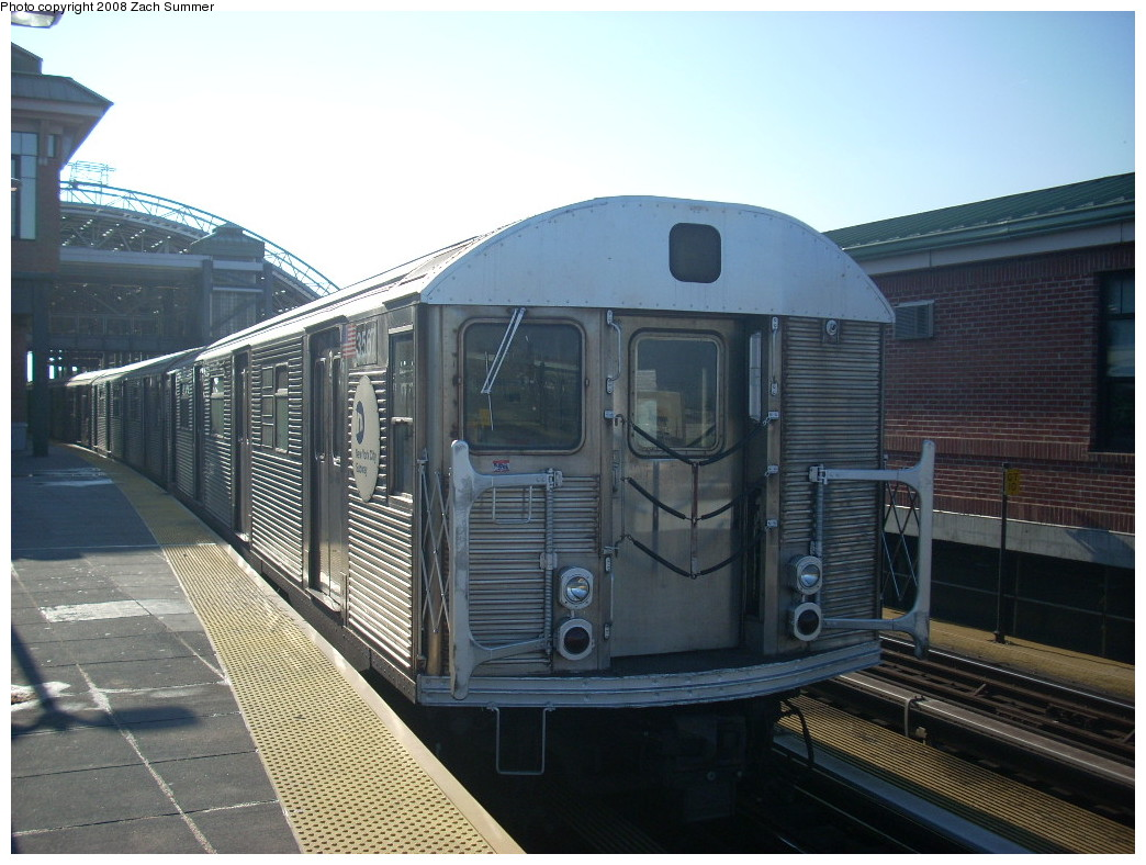 (248k, 1044x788)<br><b>Country:</b> United States<br><b>City:</b> New York<br><b>System:</b> New York City Transit<br><b>Location:</b> Coney Island/Stillwell Avenue<br><b>Route:</b> F<br><b>Car:</b> R-32 (Budd, 1964)  3567 <br><b>Photo by:</b> Zach Summer<br><b>Date:</b> 12/20/2007<br><b>Viewed (this week/total):</b> 1 / 1187