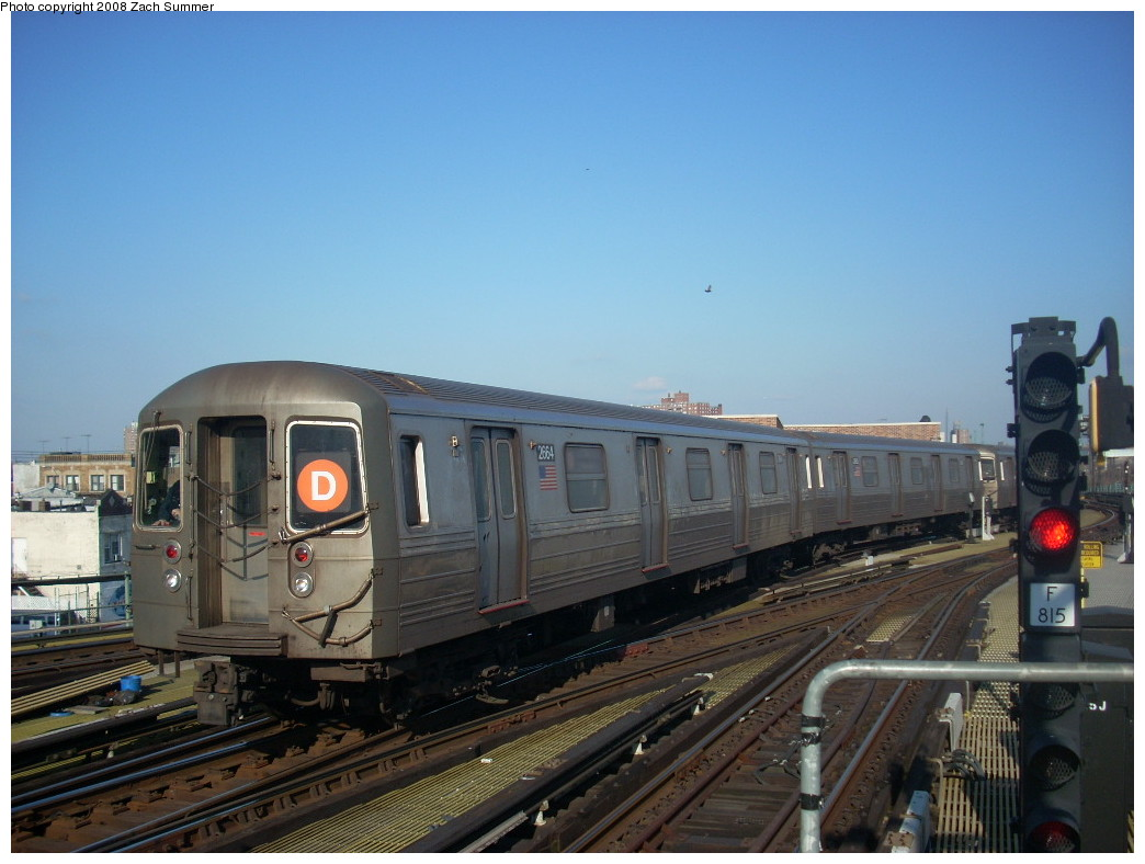 (222k, 1044x788)<br><b>Country:</b> United States<br><b>City:</b> New York<br><b>System:</b> New York City Transit<br><b>Location:</b> Coney Island/Stillwell Avenue<br><b>Route:</b> D<br><b>Car:</b> R-68 (Westinghouse-Amrail, 1986-1988)  2664 <br><b>Photo by:</b> Zach Summer<br><b>Date:</b> 12/20/2007<br><b>Viewed (this week/total):</b> 2 / 1345