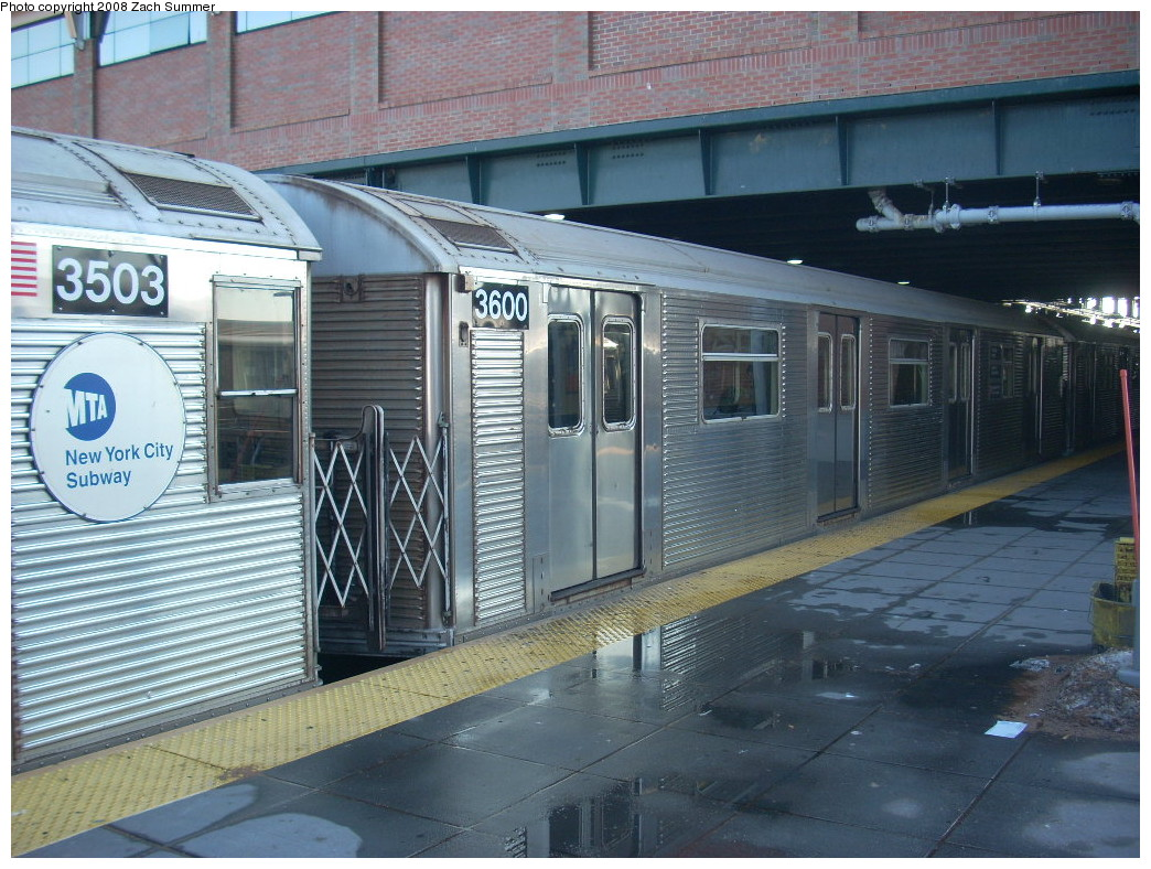 (287k, 1044x788)<br><b>Country:</b> United States<br><b>City:</b> New York<br><b>System:</b> New York City Transit<br><b>Location:</b> Coney Island/Stillwell Avenue<br><b>Route:</b> F<br><b>Car:</b> R-32 (Budd, 1964)  3600 <br><b>Photo by:</b> Zach Summer<br><b>Date:</b> 12/20/2007<br><b>Viewed (this week/total):</b> 1 / 1477