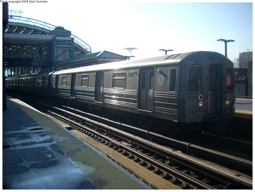 (254k, 1044x788)<br><b>Country:</b> United States<br><b>City:</b> New York<br><b>System:</b> New York City Transit<br><b>Location:</b> Coney Island/Stillwell Avenue<br><b>Route:</b> D<br><b>Car:</b> R-68 (Westinghouse-Amrail, 1986-1988)  2736 <br><b>Photo by:</b> Zach Summer<br><b>Date:</b> 12/20/2007<br><b>Viewed (this week/total):</b> 2 / 807