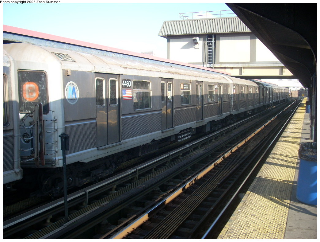 (265k, 1044x788)<br><b>Country:</b> United States<br><b>City:</b> New York<br><b>System:</b> New York City Transit<br><b>Line:</b> BMT Brighton Line<br><b>Location:</b> Brighton Beach <br><b>Route:</b> B<br><b>Car:</b> R-40M (St. Louis, 1969)  4460 <br><b>Photo by:</b> Zach Summer<br><b>Date:</b> 12/20/2007<br><b>Viewed (this week/total):</b> 0 / 1230