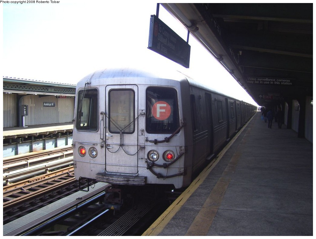 (177k, 1044x791)<br><b>Country:</b> United States<br><b>City:</b> New York<br><b>System:</b> New York City Transit<br><b>Line:</b> BMT Culver Line<br><b>Location:</b> Avenue N <br><b>Route:</b> F<br><b>Car:</b> R-46 (Pullman-Standard, 1974-75)  <br><b>Photo by:</b> Roberto C. Tobar<br><b>Date:</b> 3/22/2008<br><b>Viewed (this week/total):</b> 5 / 1077