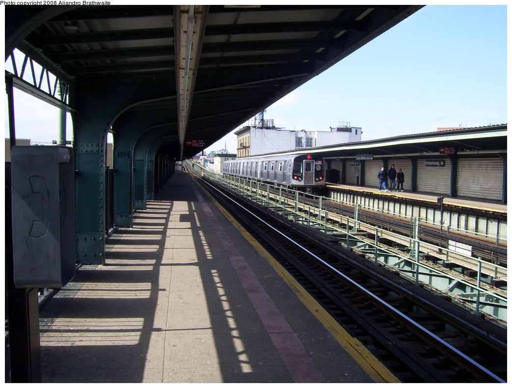 (240k, 1044x791)<br><b>Country:</b> United States<br><b>City:</b> New York<br><b>System:</b> New York City Transit<br><b>Line:</b> BMT Myrtle Avenue Line<br><b>Location:</b> Knickerbocker Avenue <br><b>Route:</b> M<br><b>Car:</b> R-160A-1 (Alstom, 2005-2008, 4 car sets)   <br><b>Photo by:</b> Aliandro Brathwaite<br><b>Date:</b> 3/22/2008<br><b>Notes:</b> Platform view.<br><b>Viewed (this week/total):</b> 0 / 1400