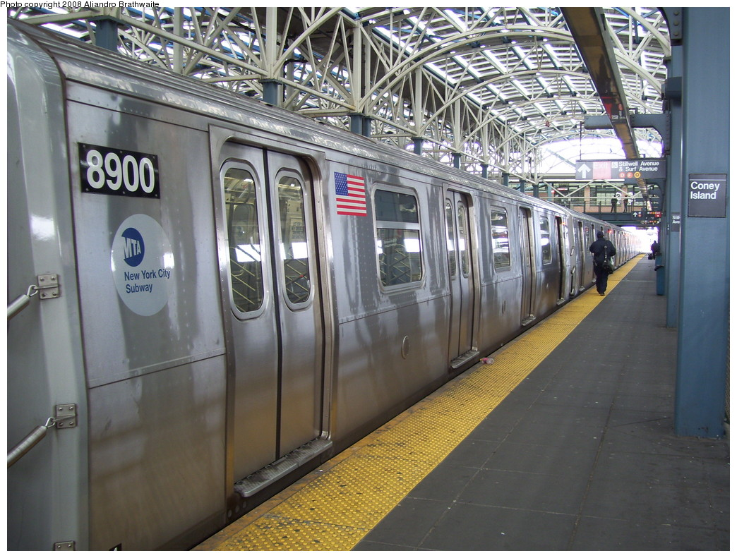 (271k, 1044x791)<br><b>Country:</b> United States<br><b>City:</b> New York<br><b>System:</b> New York City Transit<br><b>Location:</b> Coney Island/Stillwell Avenue<br><b>Route:</b> N<br><b>Car:</b> R-160B (Kawasaki, 2005-2008)  8900 <br><b>Photo by:</b> Aliandro Brathwaite<br><b>Date:</b> 3/22/2008<br><b>Viewed (this week/total):</b> 0 / 1433