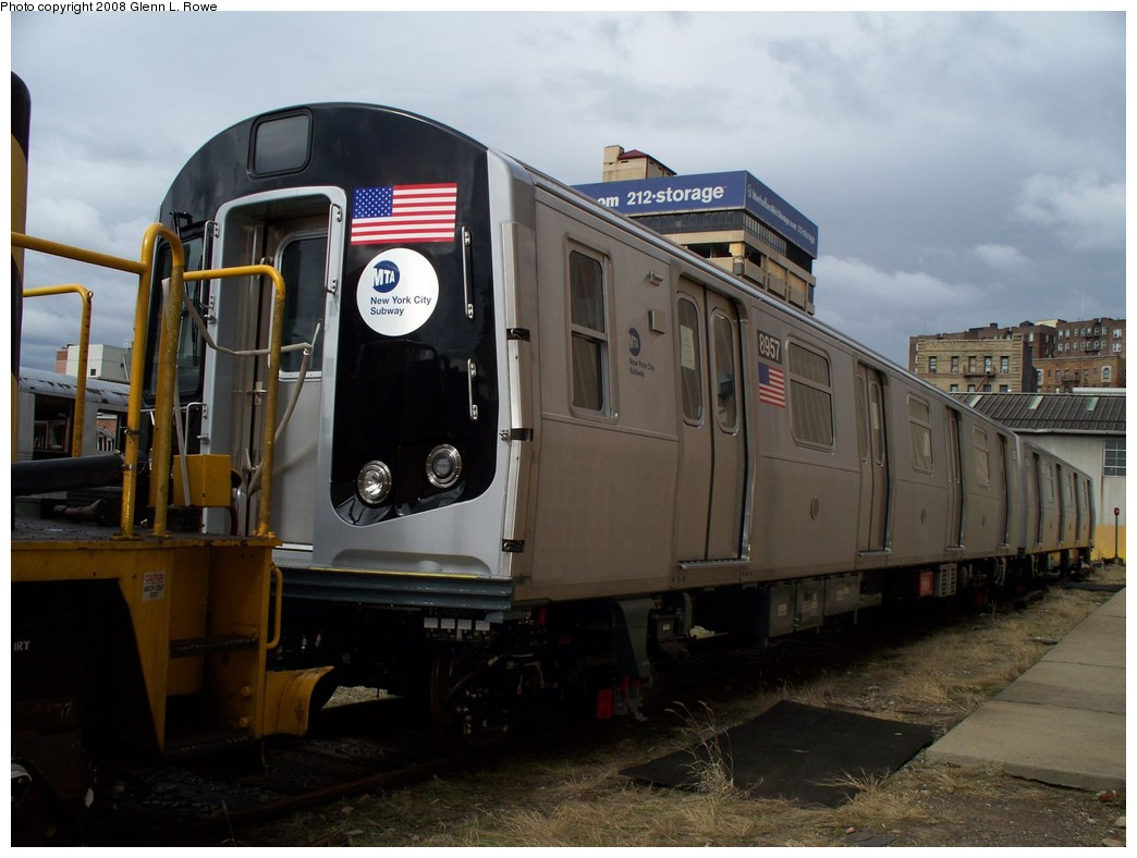 (183k, 1044x788)<br><b>Country:</b> United States<br><b>City:</b> New York<br><b>System:</b> New York City Transit<br><b>Location:</b> 207th Street Yard<br><b>Car:</b> R-160B (Kawasaki, 2005-2008)  8957 <br><b>Photo by:</b> Glenn L. Rowe<br><b>Date:</b> 3/20/2008<br><b>Viewed (this week/total):</b> 0 / 2423