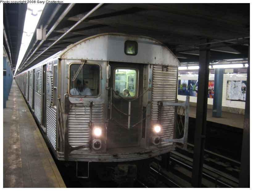 (124k, 820x620)<br><b>Country:</b> United States<br><b>City:</b> New York<br><b>System:</b> New York City Transit<br><b>Line:</b> IND Queens Boulevard Line<br><b>Location:</b> Northern Boulevard <br><b>Route:</b> R<br><b>Car:</b> R-32 (Budd, 1964)  3862 <br><b>Photo by:</b> Gary Chatterton<br><b>Date:</b> 3/11/2008<br><b>Viewed (this week/total):</b> 14 / 2103