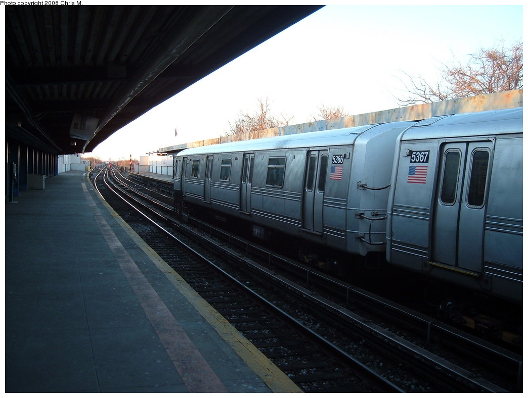 (188k, 1044x788)<br><b>Country:</b> United States<br><b>City:</b> New York<br><b>System:</b> New York City Transit<br><b>Line:</b> IND Rockaway<br><b>Location:</b> Broad Channel <br><b>Route:</b> S<br><b>Car:</b> R-44 (St. Louis, 1971-73) 5366 <br><b>Photo by:</b> Chris M.<br><b>Date:</b> 3/9/2008<br><b>Viewed (this week/total):</b> 5 / 1154