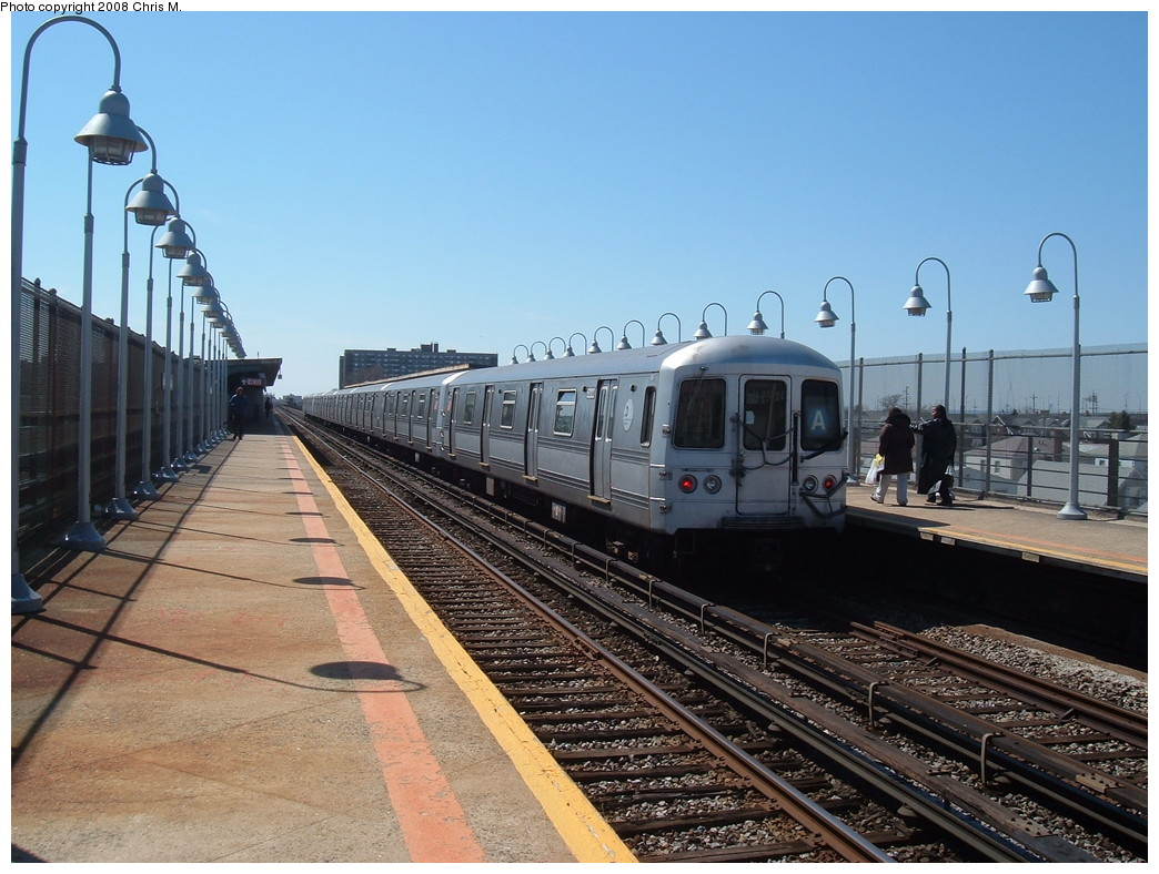 (238k, 1044x788)<br><b>Country:</b> United States<br><b>City:</b> New York<br><b>System:</b> New York City Transit<br><b>Line:</b> IND Rockaway<br><b>Location:</b> Beach 90th Street/Holland <br><b>Route:</b> A<br><b>Car:</b> R-44 (St. Louis, 1971-73) 5222 <br><b>Photo by:</b> Chris M.<br><b>Date:</b> 3/29/2008<br><b>Viewed (this week/total):</b> 3 / 973