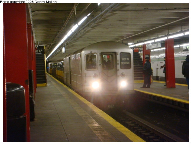 (88k, 660x500)<br><b>Country:</b> United States<br><b>City:</b> New York<br><b>System:</b> New York City Transit<br><b>Line:</b> IND Crosstown Line<br><b>Location:</b> Bedford/Nostrand Aves. <br><b>Route:</b> Work Service<br><b>Car:</b> R-127/R-134 (Kawasaki, 1991-1996) EP010 <br><b>Photo by:</b> Danny Molina<br><b>Date:</b> 2/15/2008<br><b>Viewed (this week/total):</b> 5 / 1366