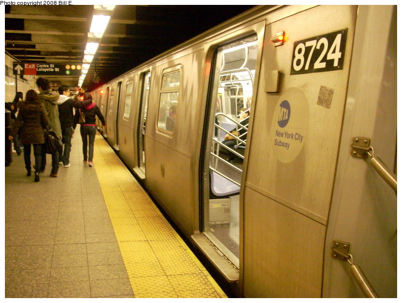 (182k, 819x619)<br><b>Country:</b> United States<br><b>City:</b> New York<br><b>System:</b> New York City Transit<br><b>Line:</b> BMT Broadway Line<br><b>Location:</b> Canal Street Bridge Line <br><b>Route:</b> N<br><b>Car:</b> R-160B (Kawasaki, 2005-2008)  8724 <br><b>Photo by:</b> Bill E.<br><b>Date:</b> 3/23/2008<br><b>Viewed (this week/total):</b> 1 / 2684