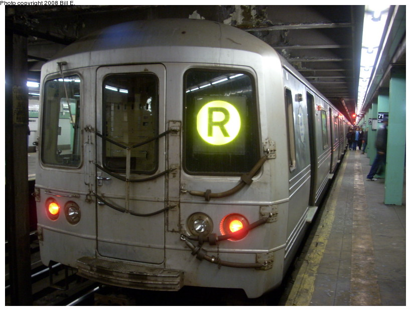 (151k, 819x619)<br><b>Country:</b> United States<br><b>City:</b> New York<br><b>System:</b> New York City Transit<br><b>Line:</b> IND Queens Boulevard Line<br><b>Location:</b> 71st/Continental Aves./Forest Hills <br><b>Route:</b> R<br><b>Car:</b> R-46 (Pullman-Standard, 1974-75)  <br><b>Photo by:</b> Bill E.<br><b>Date:</b> 3/29/2008<br><b>Viewed (this week/total):</b> 3 / 1287