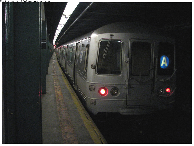 (141k, 820x620)<br><b>Country:</b> United States<br><b>City:</b> New York<br><b>System:</b> New York City Transit<br><b>Line:</b> IND Fulton Street Line<br><b>Location:</b> Hoyt-Schermerhorn Street <br><b>Route:</b> A<br><b>Car:</b> R-44 (St. Louis, 1971-73) 5292 <br><b>Photo by:</b> Andrew Johnson<br><b>Date:</b> 3/19/2008<br><b>Viewed (this week/total):</b> 3 / 2149