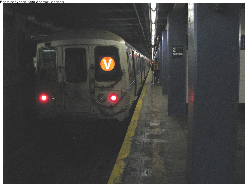 (138k, 820x620)<br><b>Country:</b> United States<br><b>City:</b> New York<br><b>System:</b> New York City Transit<br><b>Line:</b> IND 6th Avenue Line<br><b>Location:</b> 2nd Avenue <br><b>Route:</b> F<br><b>Car:</b> R-46 (Pullman-Standard, 1974-75) 6040 <br><b>Photo by:</b> Andrew Johnson<br><b>Date:</b> 3/19/2008<br><b>Viewed (this week/total):</b> 2 / 1571