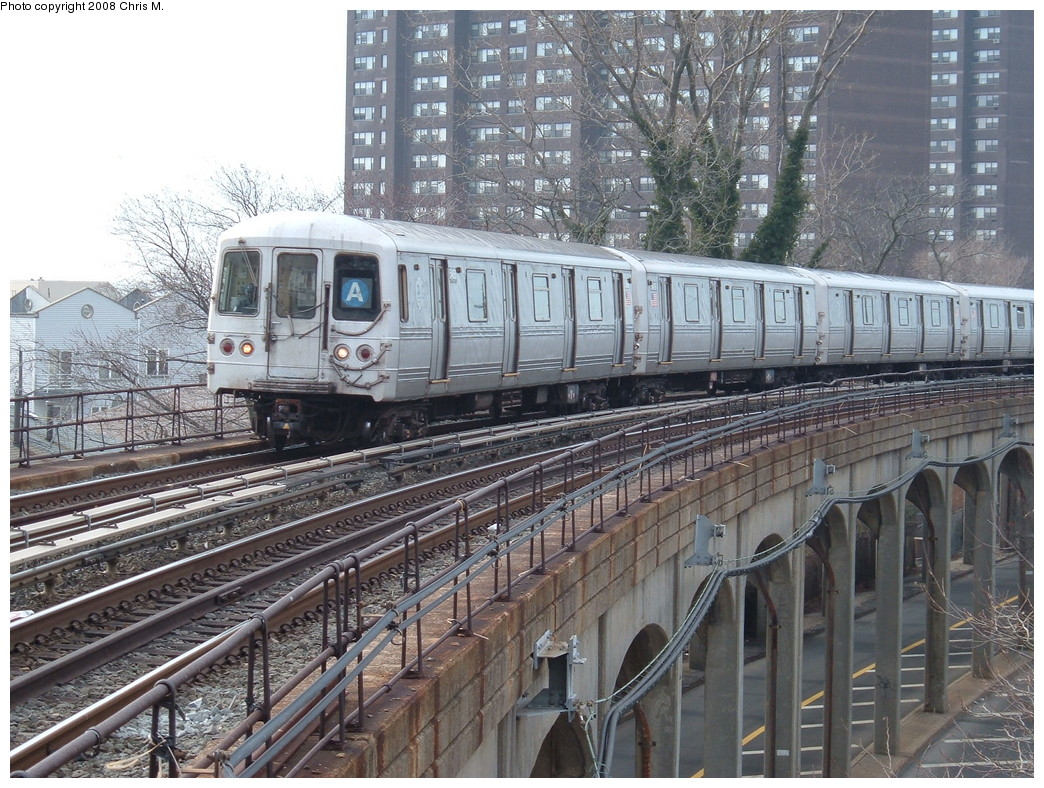 (303k, 1044x788)<br><b>Country:</b> United States<br><b>City:</b> New York<br><b>System:</b> New York City Transit<br><b>Line:</b> IND Rockaway<br><b>Location:</b> Beach 25th Street/Wavecrest <br><b>Route:</b> A<br><b>Car:</b> R-44 (St. Louis, 1971-73)  <br><b>Photo by:</b> Chris M.<br><b>Date:</b> 1/29/2008<br><b>Viewed (this week/total):</b> 1 / 1298