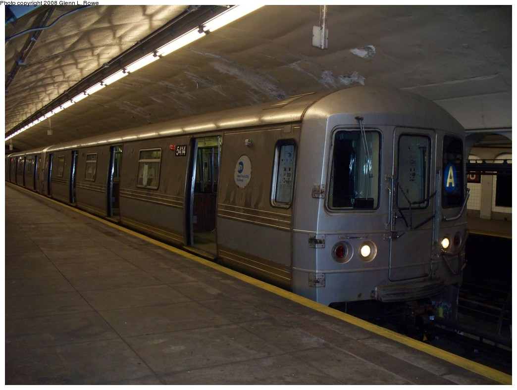 (176k, 1044x788)<br><b>Country:</b> United States<br><b>City:</b> New York<br><b>System:</b> New York City Transit<br><b>Line:</b> IND 8th Avenue Line<br><b>Location:</b> 190th Street/Overlook Terrace <br><b>Route:</b> A<br><b>Car:</b> R-44 (St. Louis, 1971-73) 5414 <br><b>Photo by:</b> Glenn L. Rowe<br><b>Date:</b> 4/3/2008<br><b>Viewed (this week/total):</b> 1 / 1170