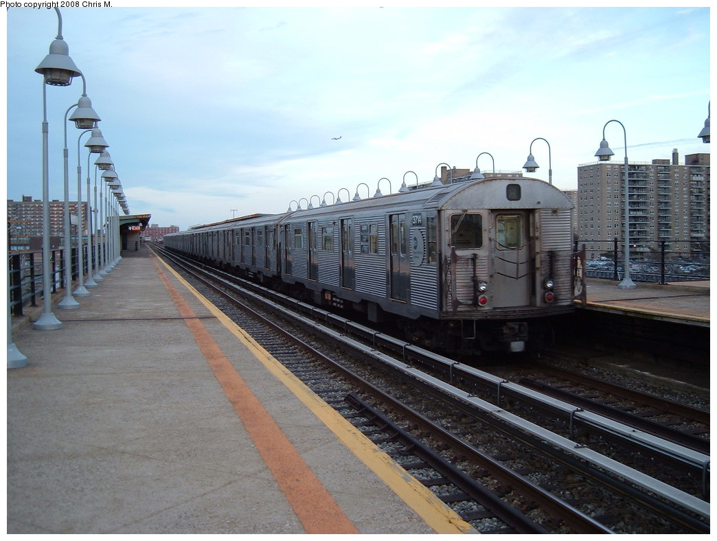 (218k, 1044x788)<br><b>Country:</b> United States<br><b>City:</b> New York<br><b>System:</b> New York City Transit<br><b>Line:</b> IND Rockaway<br><b>Location:</b> Beach 105th Street/Seaside <br><b>Route:</b> A<br><b>Car:</b> R-32 (Budd, 1964)  3714 <br><b>Photo by:</b> Chris M.<br><b>Date:</b> 4/5/2008<br><b>Viewed (this week/total):</b> 1 / 858
