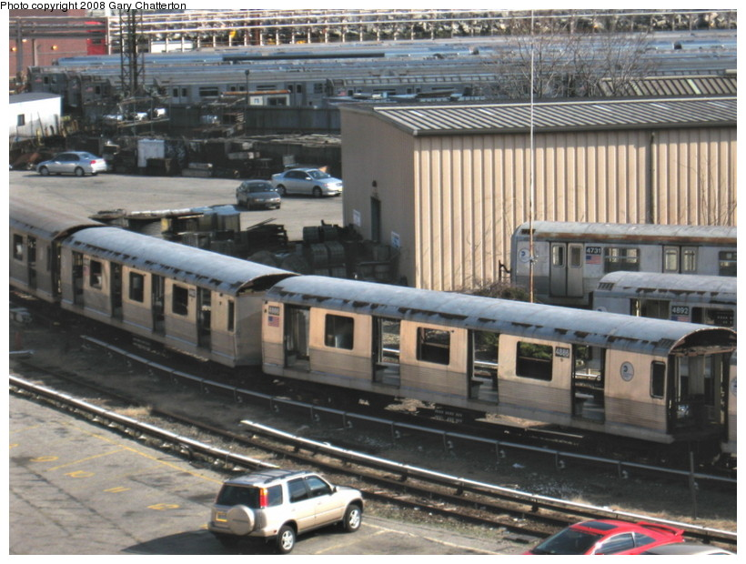 (157k, 820x620)<br><b>Country:</b> United States<br><b>City:</b> New York<br><b>System:</b> New York City Transit<br><b>Location:</b> 207th Street Yard<br><b>Car:</b> R-42 (St. Louis, 1969-1970)  4886/4887 <br><b>Photo by:</b> Gary Chatterton<br><b>Date:</b> 3/11/2008<br><b>Viewed (this week/total):</b> 0 / 711