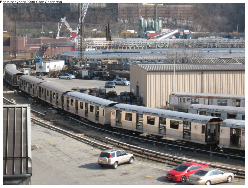 (176k, 820x620)<br><b>Country:</b> United States<br><b>City:</b> New York<br><b>System:</b> New York City Transit<br><b>Location:</b> 207th Street Yard<br><b>Car:</b> R-42 (St. Louis, 1969-1970)  4886/4887 <br><b>Photo by:</b> Gary Chatterton<br><b>Date:</b> 3/11/2008<br><b>Viewed (this week/total):</b> 2 / 1300