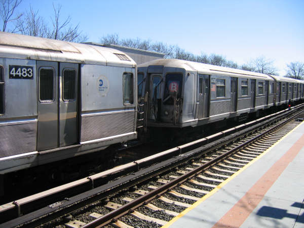(48k, 600x450)<br><b>Country:</b> United States<br><b>City:</b> New York<br><b>System:</b> New York City Transit<br><b>Line:</b> BMT Brighton Line<br><b>Location:</b> Neck Road <br><b>Route:</b> Layup<br><b>Car:</b> R-40 (St. Louis, 1968)  4433 <br><b>Photo by:</b> Professor J<br><b>Date:</b> 3/2008<br><b>Viewed (this week/total):</b> 5 / 1590
