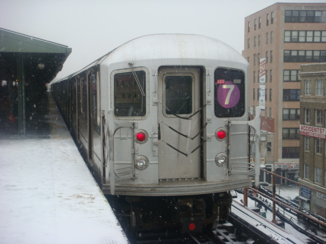 (105k, 640x480)<br><b>Country:</b> United States<br><b>City:</b> New York<br><b>System:</b> New York City Transit<br><b>Line:</b> IRT Flushing Line<br><b>Location:</b> Queensborough Plaza <br><b>Route:</b> 7<br><b>Car:</b> R-62A (Bombardier, 1984-1987)   <br><b>Photo by:</b> Danny Molina<br><b>Date:</b> 2/13/2008<br><b>Viewed (this week/total):</b> 0 / 873