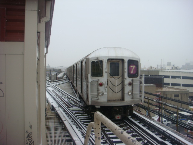 (90k, 640x480)<br><b>Country:</b> United States<br><b>City:</b> New York<br><b>System:</b> New York City Transit<br><b>Line:</b> IRT Flushing Line<br><b>Location:</b> Queensborough Plaza <br><b>Route:</b> 7<br><b>Car:</b> R-62A (Bombardier, 1984-1987)   <br><b>Photo by:</b> Danny Molina<br><b>Date:</b> 2/13/2008<br><b>Viewed (this week/total):</b> 2 / 1124