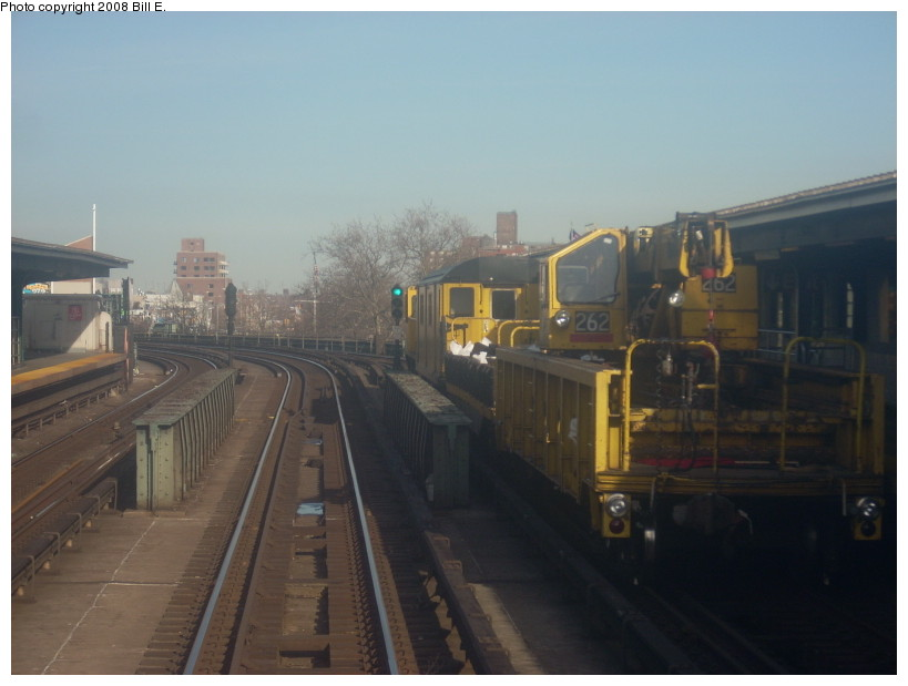 (122k, 819x619)<br><b>Country:</b> United States<br><b>City:</b> New York<br><b>System:</b> New York City Transit<br><b>Line:</b> IRT Flushing Line<br><b>Location:</b> 46th Street/Bliss Street <br><b>Route:</b> Work Service<br><b>Car:</b> R-113 Crane Car  262 <br><b>Photo by:</b> Bill E.<br><b>Date:</b> 4/5/2008<br><b>Viewed (this week/total):</b> 8 / 912