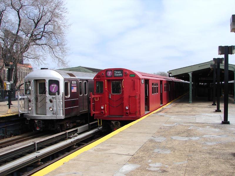 (98k, 800x600)<br><b>Country:</b> United States<br><b>City:</b> New York<br><b>System:</b> New York City Transit<br><b>Line:</b> IRT Flushing Line<br><b>Location:</b> Willets Point/Mets (fmr. Shea Stadium) <br><b>Route:</b> Museum Train Service (7)<br><b>Car:</b> R-33 Main Line (St. Louis, 1962-63) 9017 <br><b>Photo by:</b> Bob Vogel<br><b>Date:</b> 4/8/2008<br><b>Viewed (this week/total):</b> 2 / 1086