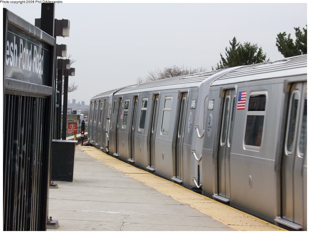(195k, 1044x788)<br><b>Country:</b> United States<br><b>City:</b> New York<br><b>System:</b> New York City Transit<br><b>Line:</b> BMT Myrtle Avenue Line<br><b>Location:</b> Fresh Pond Road <br><b>Route:</b> M<br><b>Car:</b> R-160A-1 (Alstom, 2005-2008, 4 car sets)  8465 <br><b>Photo by:</b> Philip D'Allesandro<br><b>Date:</b> 4/7/2008<br><b>Notes:</b> First day of full 8-car R160A trains on the M line.<br><b>Viewed (this week/total):</b> 0 / 2083